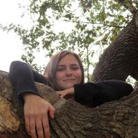applying - girl in tree